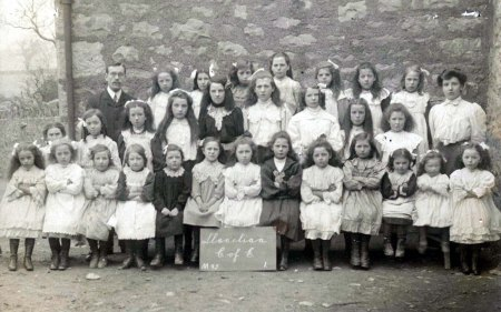 Llanelian School c. 1900